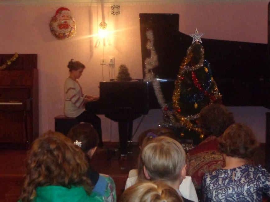 День Святого Николая в музыкальной школе Красноармейска отметили музыкально, талантливо и громогласно (фото) - фото 11