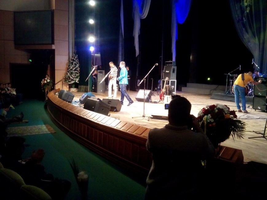 С трудностями, но получилось: харьковские волонтеры уговорили украинских звезд выступить на благотворительном концерте бесплатно (фото) - фото 1
