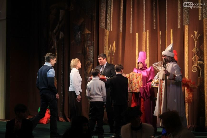 Маленьких днепродзержинцев поздравили с Днем Святого Николая, фото-3