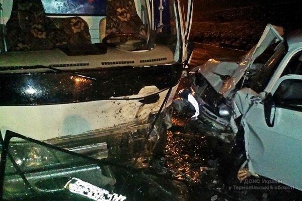 На Тернопільщині зіткнулись Москвич 412 та FAW (фото) (фото) - фото 1