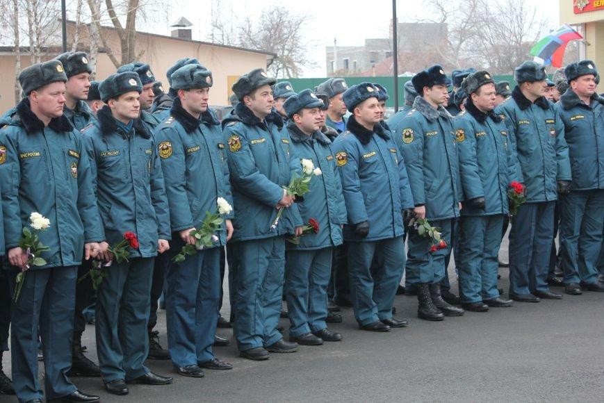 В Белгороде открыли памятник пожарным и спасателям, фото-4