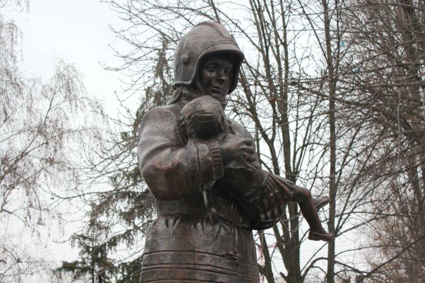В Белгороде открыли памятник пожарным и спасателям, фото-6