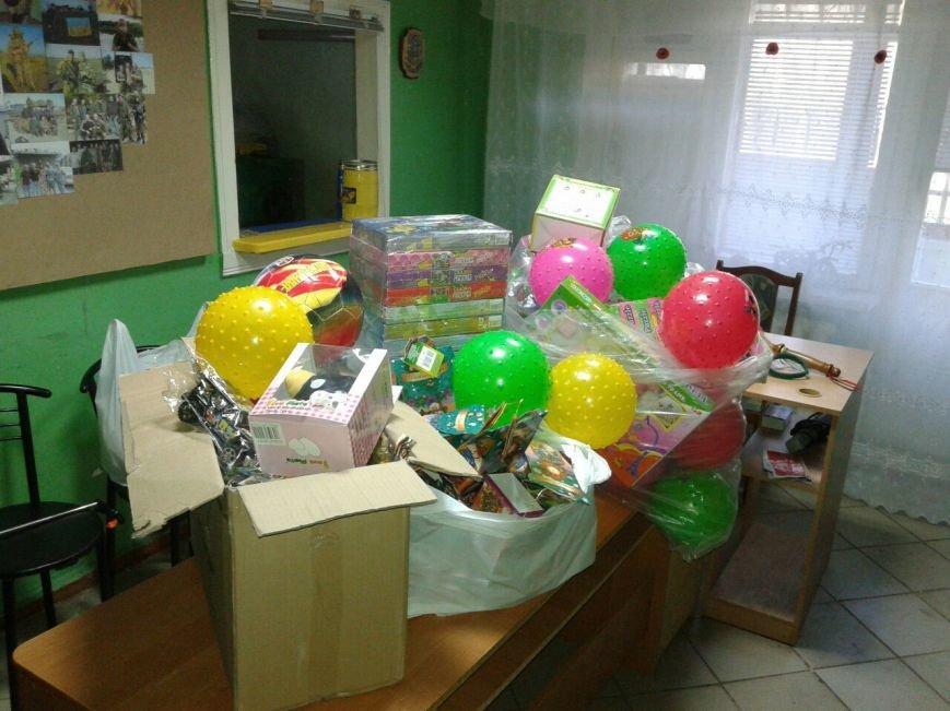 Криворожский противотуберкулезный центр посетил Святой Николай с подарками для малышей (ФОТО) (фото) - фото 1