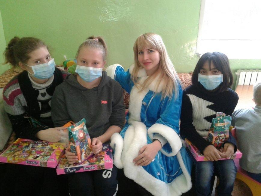 Криворожский противотуберкулезный центр посетил Святой Николай с подарками для малышей (ФОТО) (фото) - фото 2
