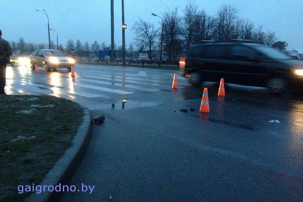 В Гродно на улице Ольги Соломовой «Ситроен» сбил женщину с ребенком на руках: оба госпитализированы (фото) - фото 4