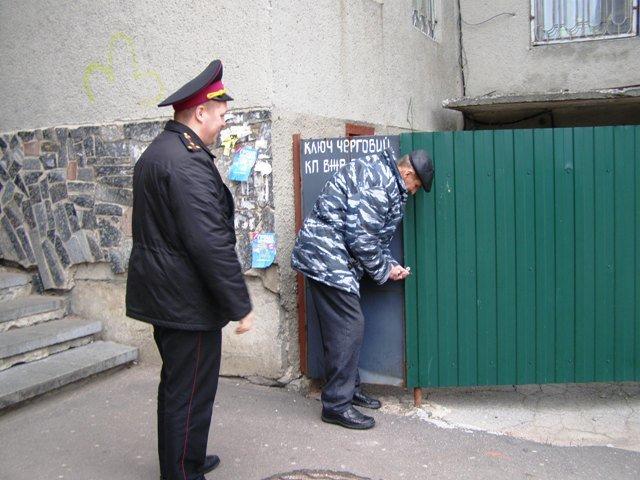 У Житомирі рятувальники провели рейдову перевірку підвальних приміщень житлових будинків (фото) - фото 2