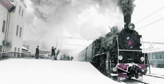 Львівська залізниця запрошує всіх проїхатися зимовим ретро-поїздом (фото) - фото 1