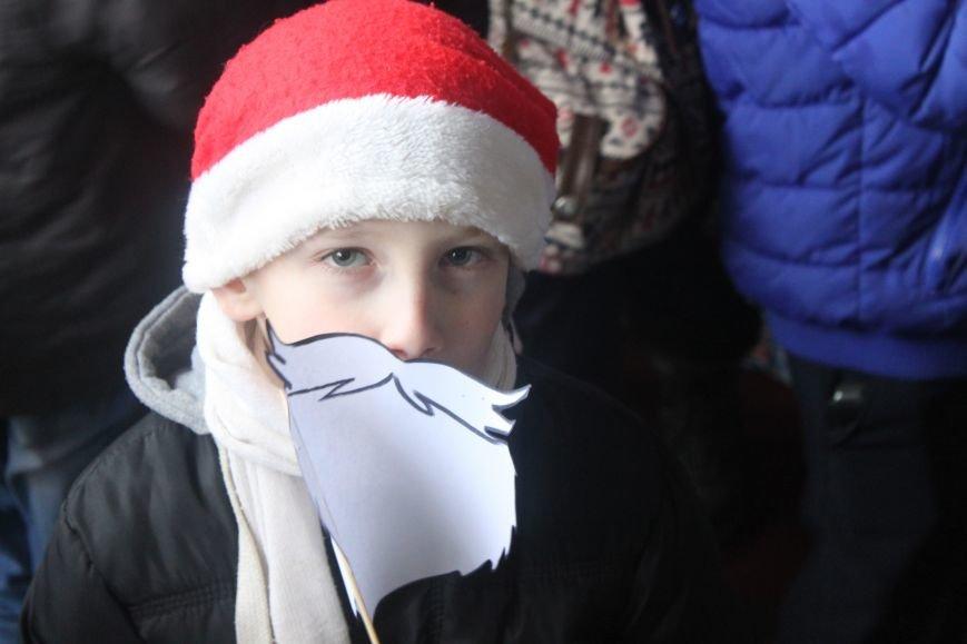 Ужгородом  пройшли 1000 Миколайчиків, фото-7