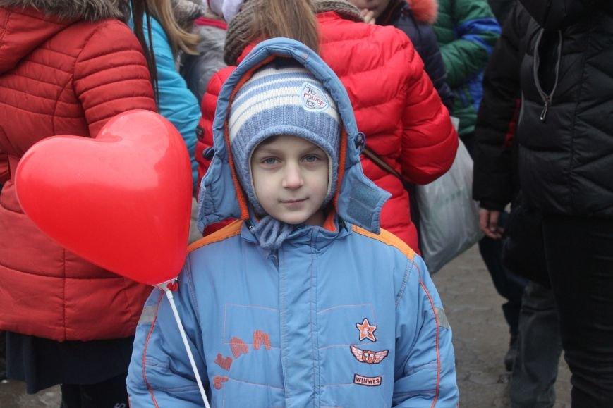 Ужгородом  пройшли 1000 Миколайчиків, фото-9