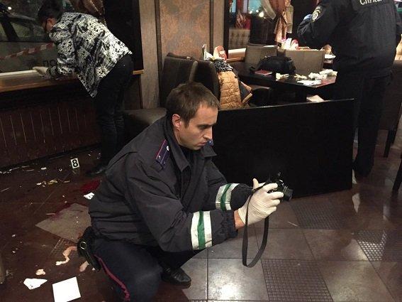 В Киеве задержали иностранцев, устроивших стрельбу в кафе (ФОТО, ВИДЕО) (фото) - фото 2