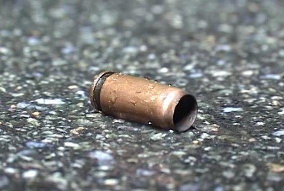 В Киеве задержали иностранцев, устроивших стрельбу в кафе (ФОТО, ВИДЕО) (фото) - фото 1