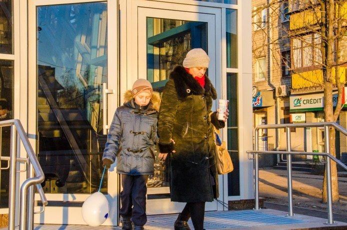 Пешеходный переход на Слобожанском проспекте начал работу (ФОТО), фото-2
