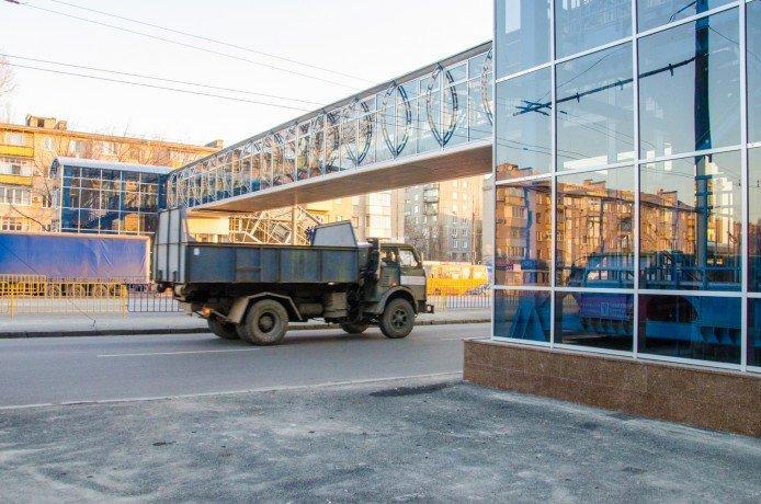 Пешеходный переход на Слобожанском проспекте начал работу (ФОТО), фото-1