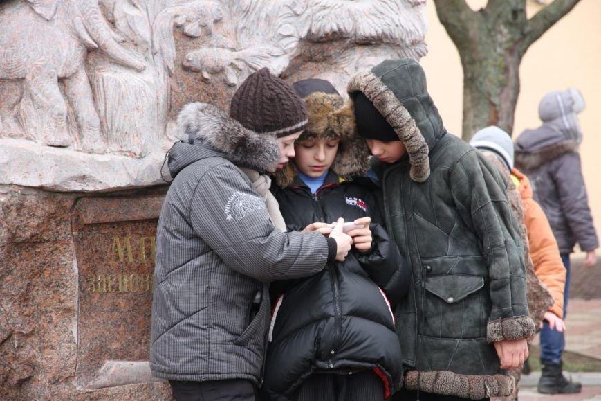 Ленинский район Николаева обзавелся новогодней красавицей (ФОТОРЕПОРТАЖ) (фото) - фото 8