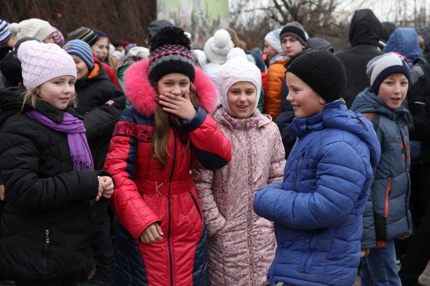 Ленинский район Николаева обзавелся новогодней красавицей (ФОТОРЕПОРТАЖ) (фото) - фото 7