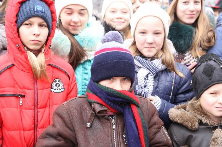 Ленинский район Николаева обзавелся новогодней красавицей (ФОТОРЕПОРТАЖ) (фото) - фото 9