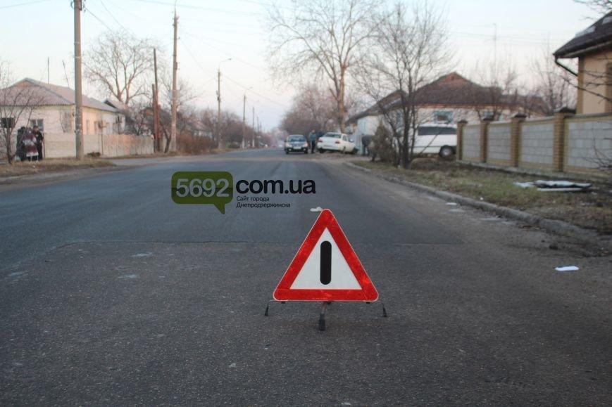 В Днепродзержинске на улице Клары Цеткин произошло ДТП (фото) - фото 3