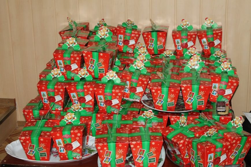 Школьники Артемовска-Бахмута получили подарки от Святого Николая и мэра города, фото-2