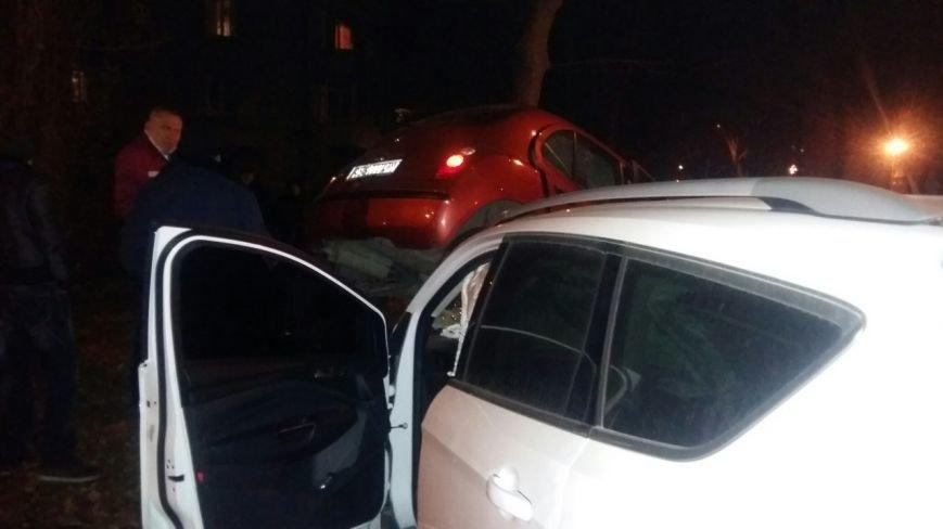ДТП в Днепропетровске: на пересечении улиц Свердлова и Философской столкнулись две иномарки (ФОТО) (фото) - фото 5