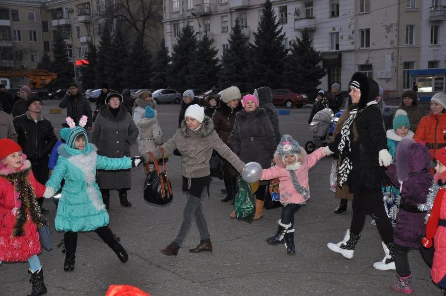 В Краматорске мэр зажег главную елку города (ВИДЕО), фото-1