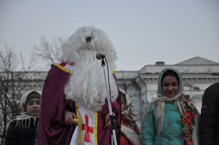 В Краматорске мэр зажег главную елку города (ВИДЕО), фото-3