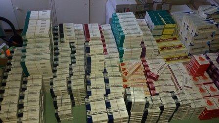 В Мариуполь прибыли медикаменты для коммунальной аптеки (ФОТО), фото-2