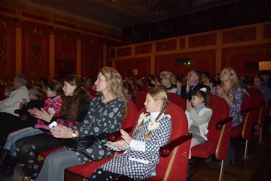 Святой Николай поздравил детей бойцов АТО и переселенцев на Николаевщине (ФОТО), фото-3