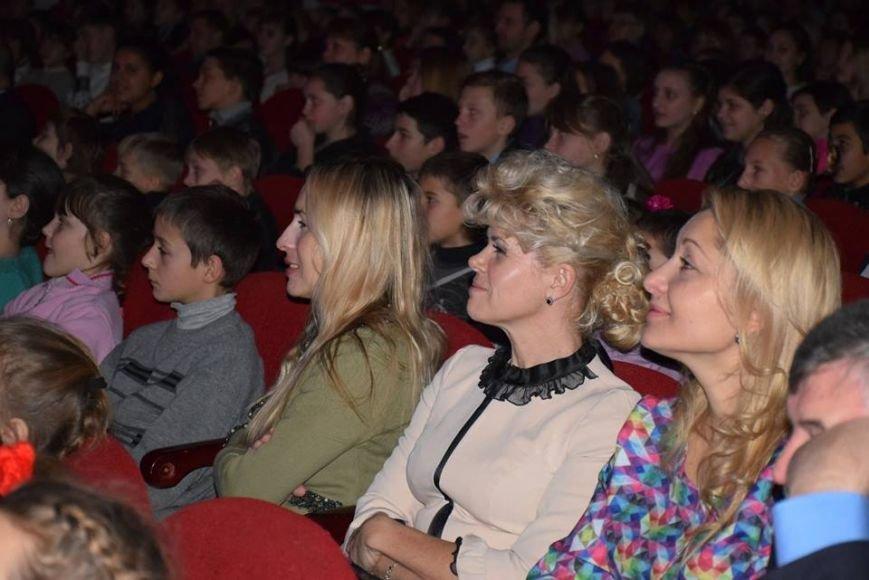 Святой Николай поздравил детей бойцов АТО и переселенцев на Николаевщине (ФОТО), фото-1