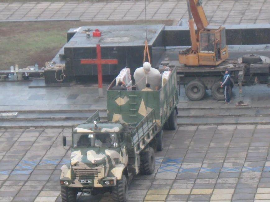 В Мариуполе завершилась установка памятника Святославу Храброму (ФОТО), фото-5