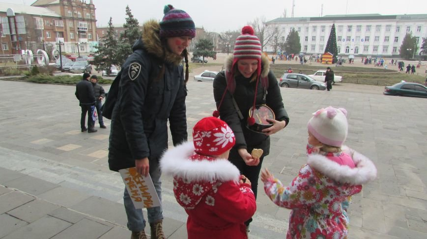 День Святого Николая в Северодонецке отметили «обнимашками» (ФОТО), фото-4