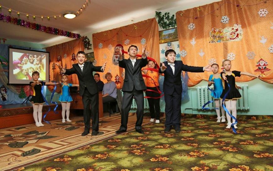 Аксенов поздравил с Днем святого Николая учащихся Симферопольской школы-интерната и пообещал им новую спортплощадку (ФОТО) (фото) - фото 5