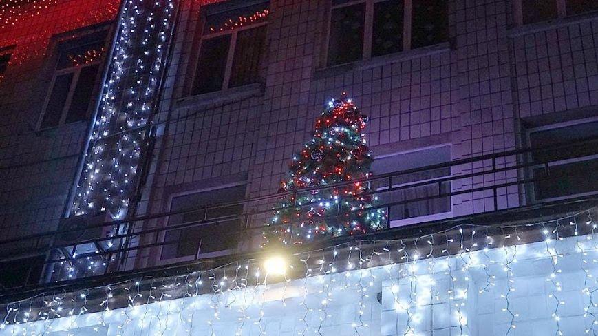 В Мариуполе комбинат им. Ильича сияет новогодней иллюминацией (ФОТО), фото-7