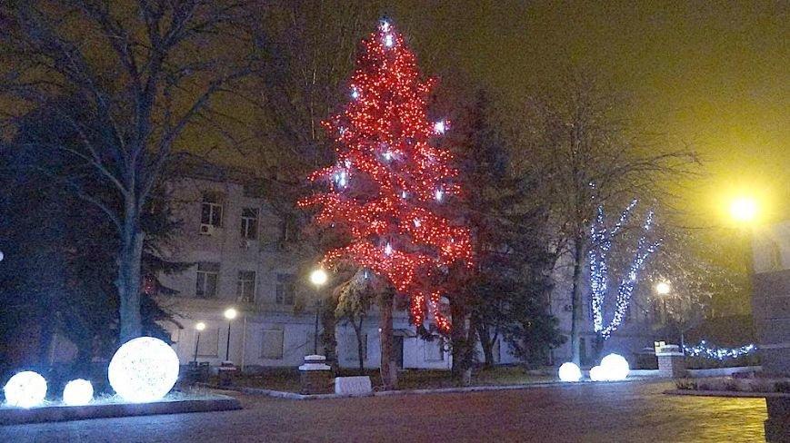 В Мариуполе комбинат им. Ильича сияет новогодней иллюминацией (ФОТО), фото-4