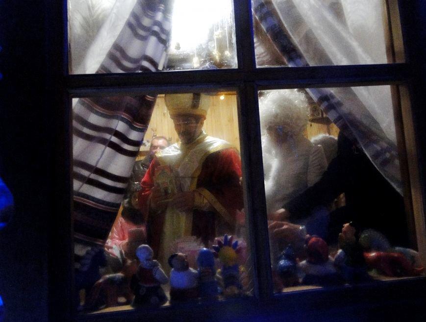 У Хмельницькому в День Святого Миколая запалили головну ялинку міста (Фото) (фото) - фото 4
