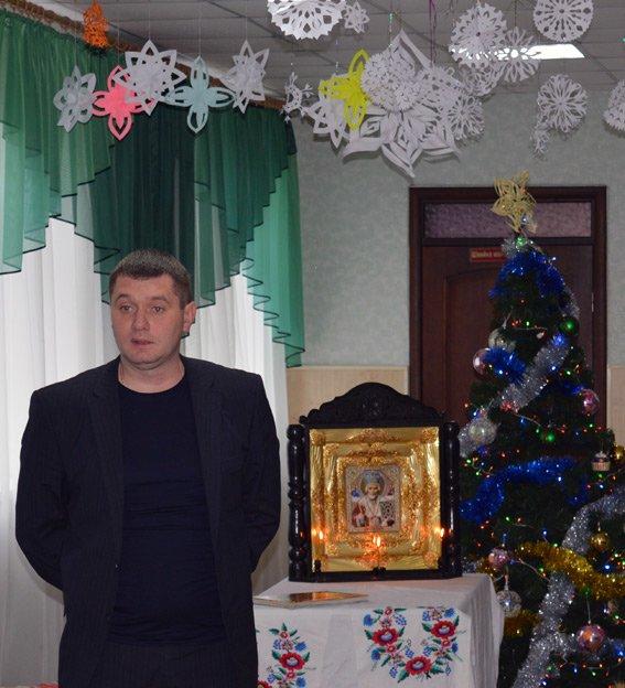 Сегодня сотрудники Красноармейского отдела полиции стали помощниками Святого Николая (фото) - фото 5