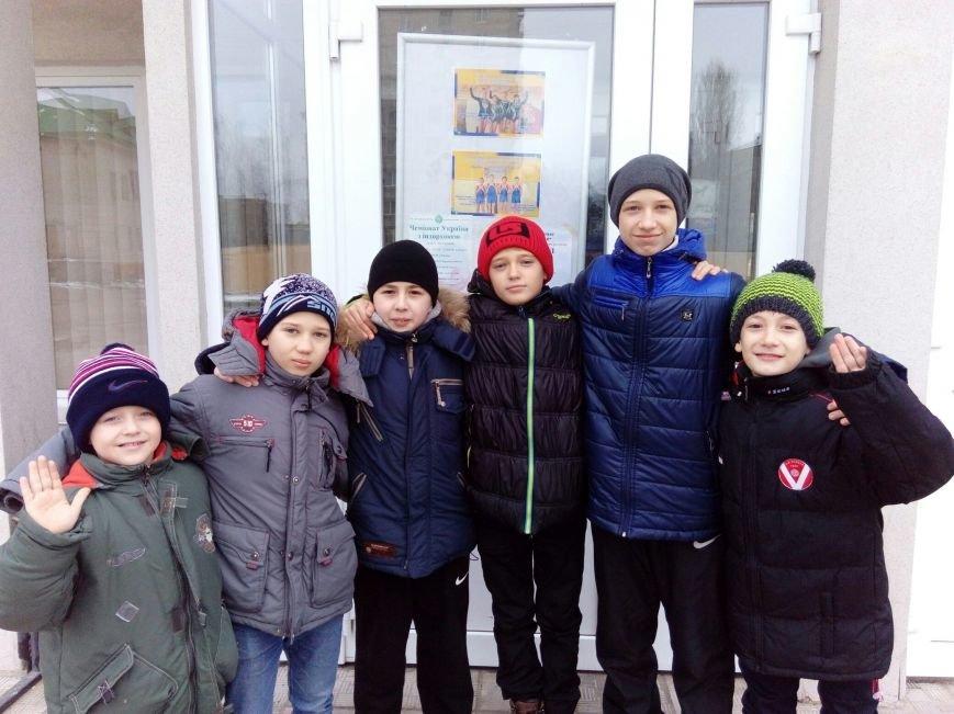 Днепродзержинцы выступили на Кубке Украины по прыжкам на акробатической дорожке (фото) - фото 1