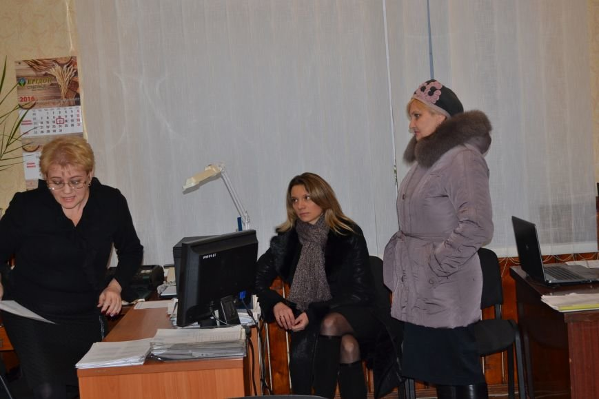 Сотрудники Криворожской РГА заявили о нарушении их прав главой РГА и обратились за помощью к Президенту и  профсоюзам (ФОТО), фото-12