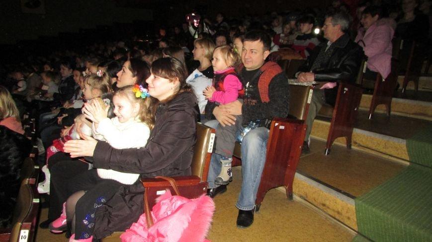 В Северодонецке прошел новогодний спектакль для детей (ФОТО), фото-2