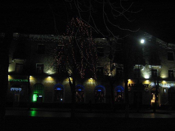 Как Полоцк готовится к Новому году: огни ночного города (фото) - фото 7