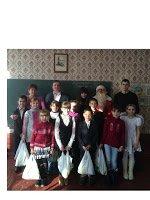 Депутаты Добропольского райсовета вручили детям подарочные наборы к празднику (фото) - фото 1