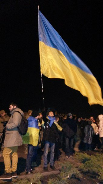 На открытии памятника Святославу Храброму в Мариуполе звучал казацкий рок и melodic-heavy-folk (фото) - фото 3