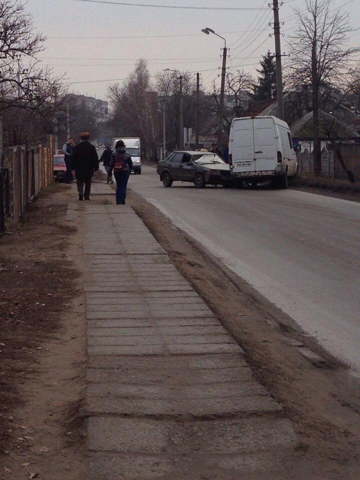 В Александрии водитель Hyundai сбил женщину, переходившую дорогу с внуками. ФОТО (фото) - фото 2