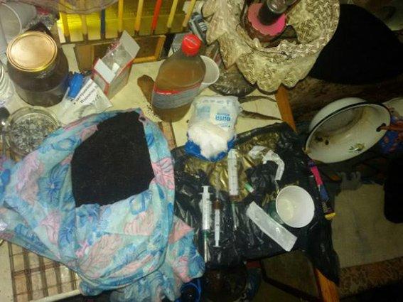 Днепропетровские полицейские ликвидировали деятельность наркопритона (ФОТО) (фото) - фото 1