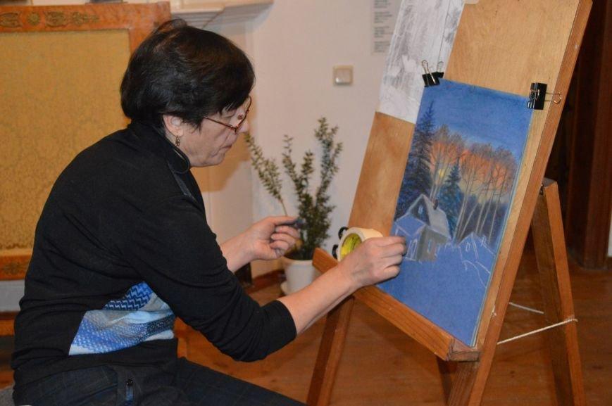 Пушкинцы не отчаялись увидеть снег к Новому году и нарисовали зиму сами (фото) - фото 1