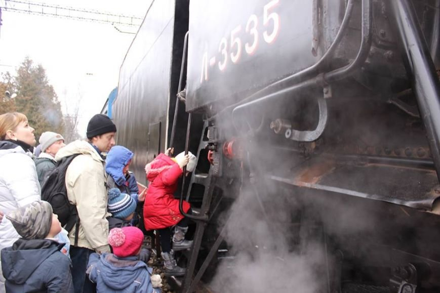 На Львівській залізниці влаштували першу поїздку різдвяним ретро-потягом. Як це було (ФОТО+ВІДЕО), фото-1