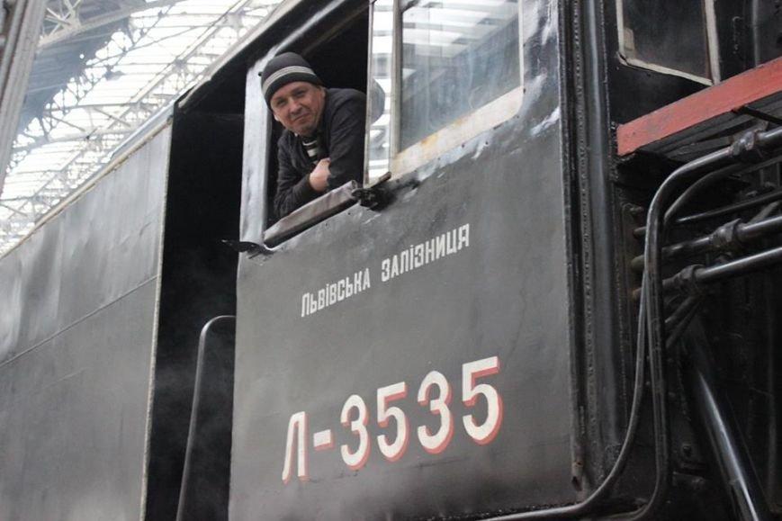 На Львівській залізниці влаштували першу поїздку різдвяним ретро-потягом. Як це було (ФОТО+ВІДЕО), фото-4