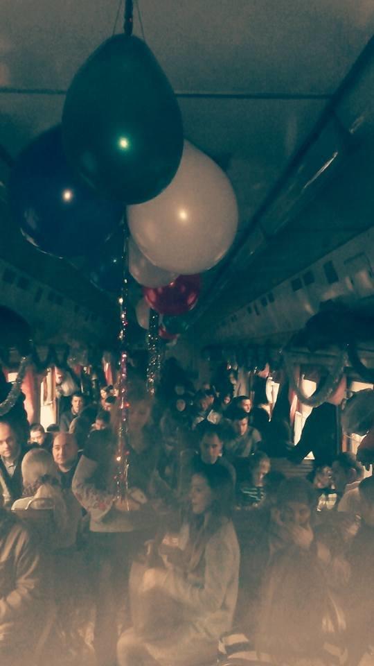 На Львівській залізниці влаштували першу поїздку різдвяним ретро-потягом. Як це було (ФОТО+ВІДЕО), фото-9