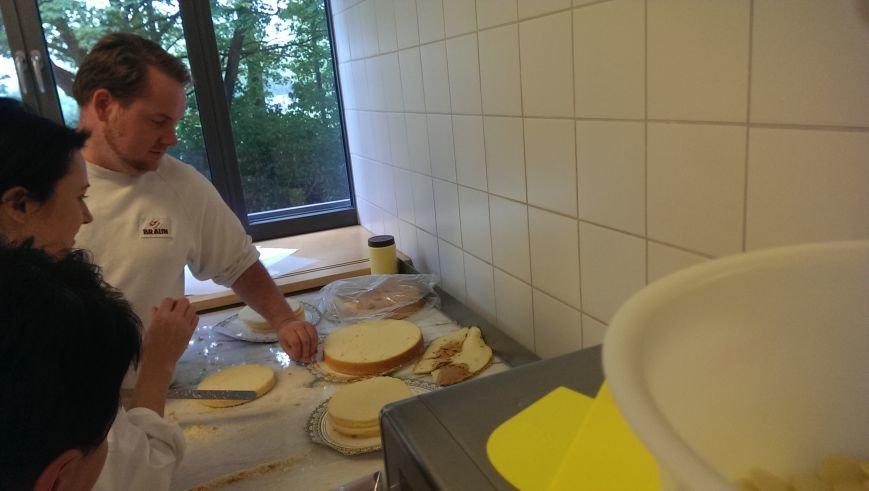 Артемовский хлебокомбинат выпустил кондитерские новинки по немецким рецептурам (фото) - фото 1