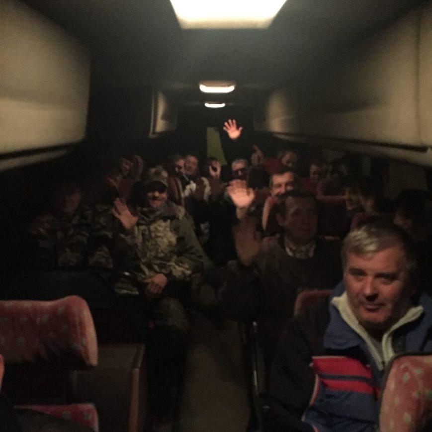 Сотни криворожан выехали в столицу,  чтобы обратиться к  депутатам  Верховной Рады (ФОТО), фото-4