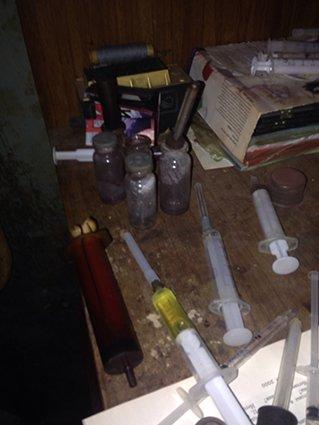 На левобережье Днепродзержинска прикрыли наркопритон (фото) - фото 3